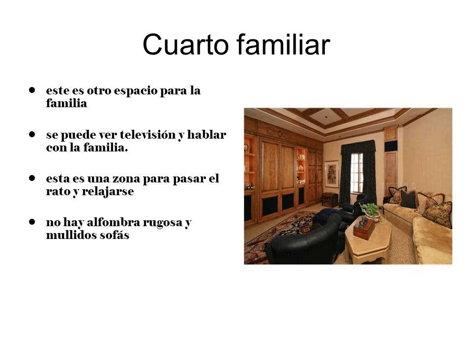 Cuarto familiar este es otro espacio para la familia se puede ver televisión y hablar con la familia. esta es una zona para pasar el rato y relajarse