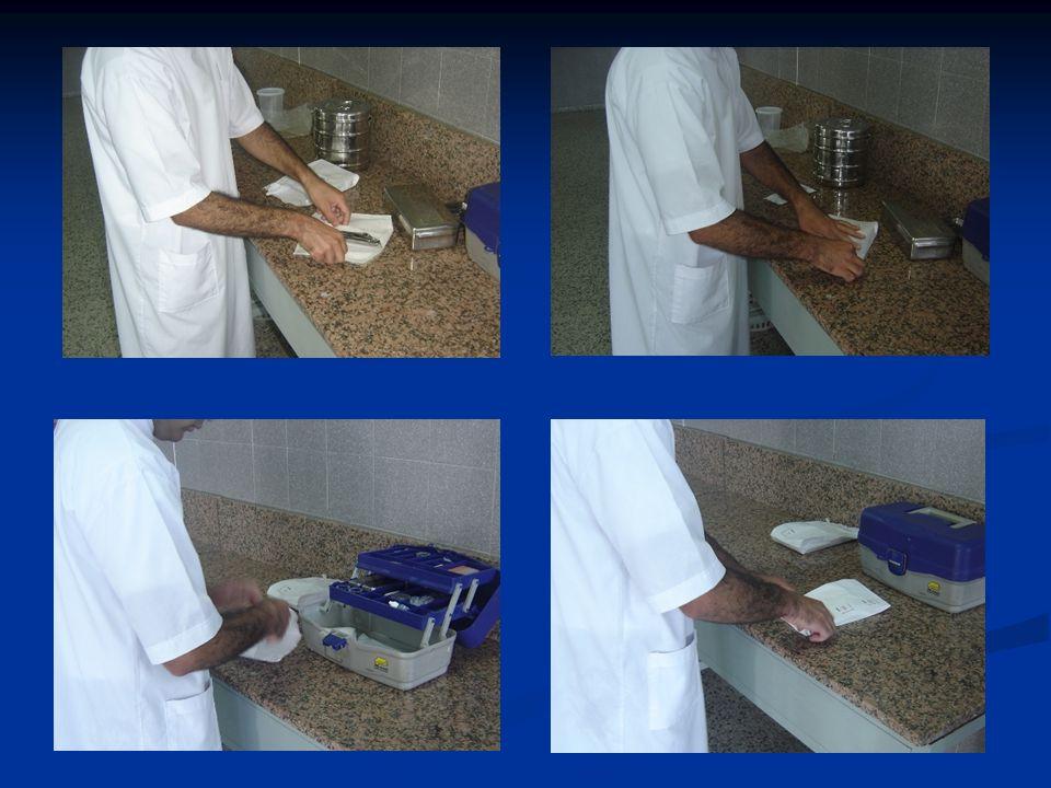 Operador Manipula los materiales e instrumental estériles.