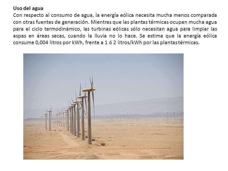 Uso del agua Con respecto al consumo de agua, la energía eólica necesita mucha menos comparada con otras fuentes de generación. Mientras que las plant