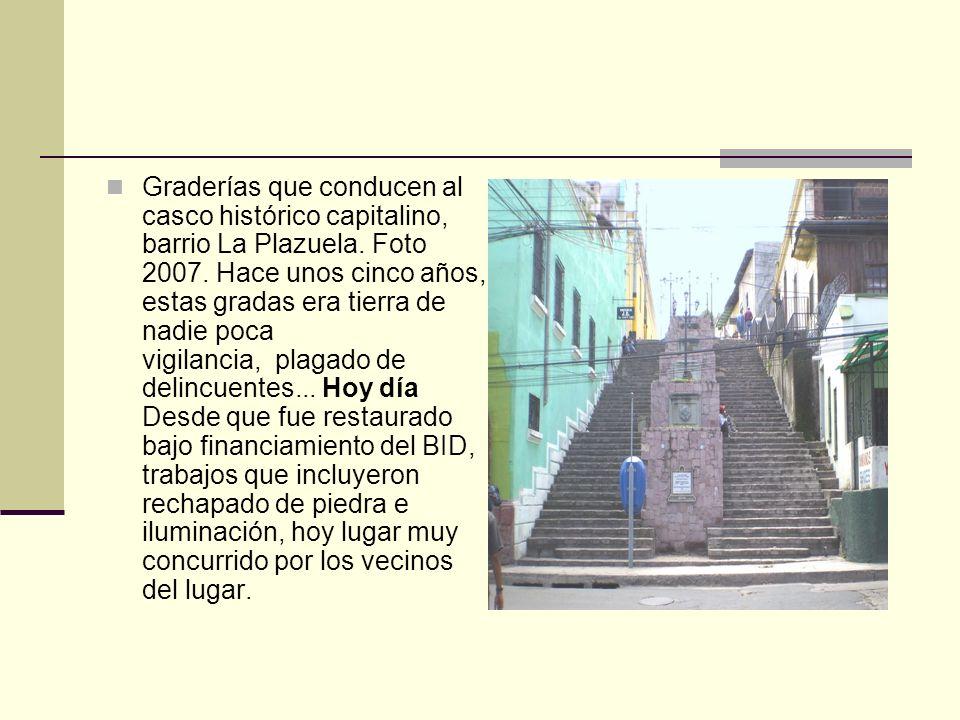 frente al templo construido por el padre Juan Francisco Márquez en 1732, siempre se mantuvo como tal porque desde esos años era un centro de comercio, sitio donde a finales del siglo XIX se construyó el primer mercado de la ciudad con estructura de madera, cambiándolo en los años treinta por una sólida edificación que se demolió en los años setenta.