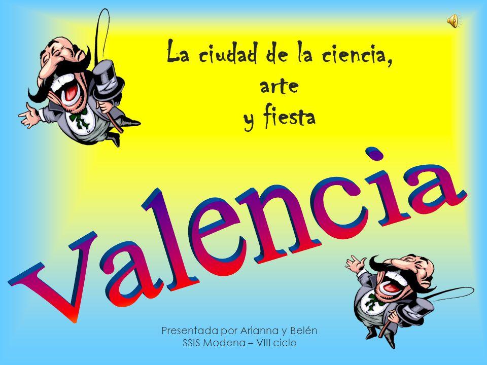 Como llegar a Valencia Vuelos regulares desde las principales ciudades de todo el mundo hacia el aeropuerto de Valencia que se encuentra en Manises, a 8.5 km del centro de la ciudad Más de 170 líneas de navegación unen el Puerto de Valencia con más de 300 puertos de los cinco continentes