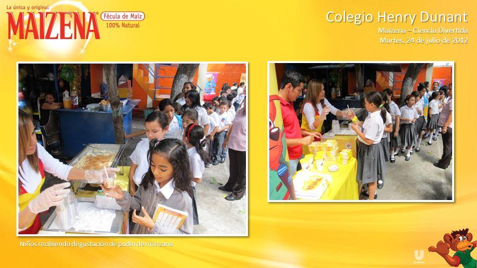 Niños en fila para recibir degustación Colegio Henry Dunant Colegio Henry Dunant Maizena – Ciencia Divertida Martes, 24 de julio de 2012