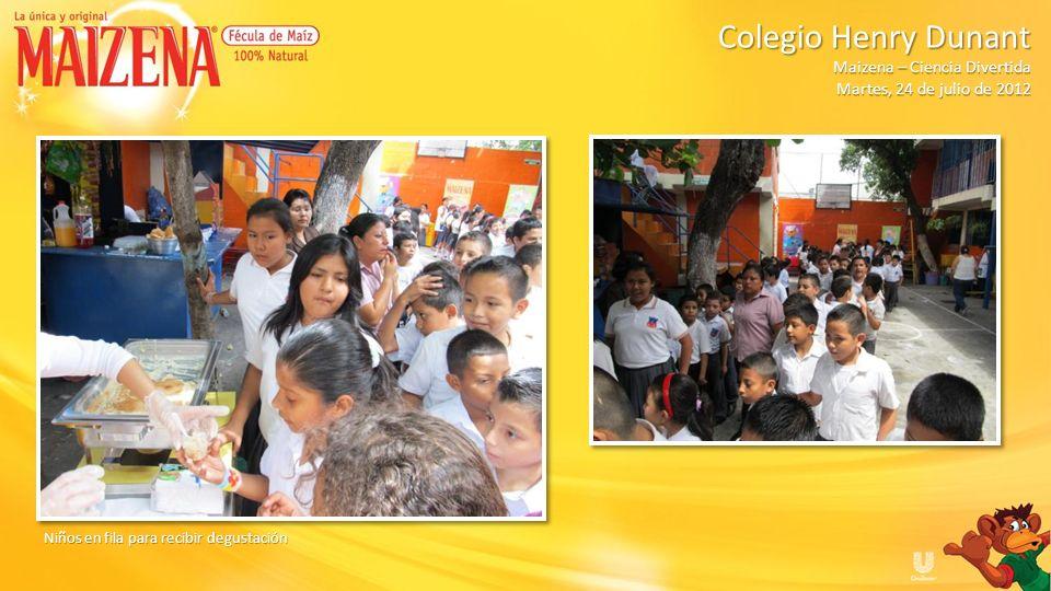 Niños recibiendo cajitas de Maizena Maizena – Ciencia Divertida Colegio Henry Dunant - Martes, 24 de julio de 2012 Maizena – Ciencia Divertida Colegio Henry Dunant - Martes, 24 de julio de 2012
