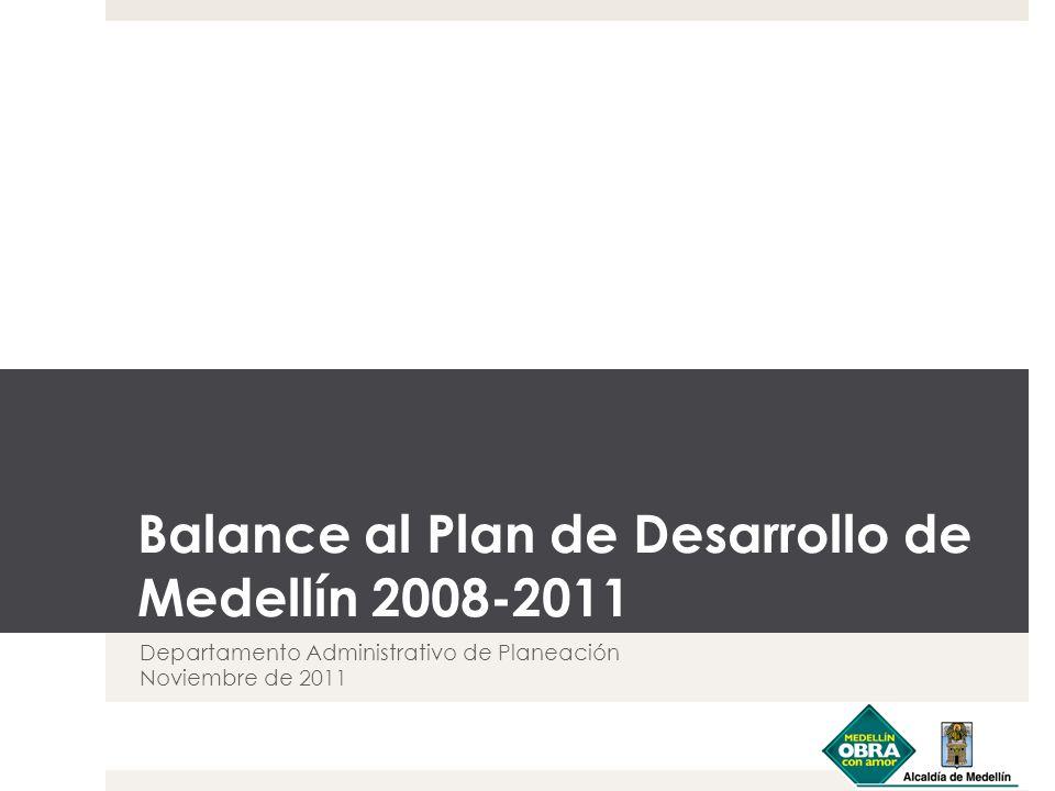 Cumplimiento físico acumulado proyectado del Plan de Desarrollo 2008-2011 Nota: Valores proyectados a diciembre 31 de 2011 Se alcanzó el 95% del cumplimiento de las 835 metas del Plan de Desarrollo 2008-2011.