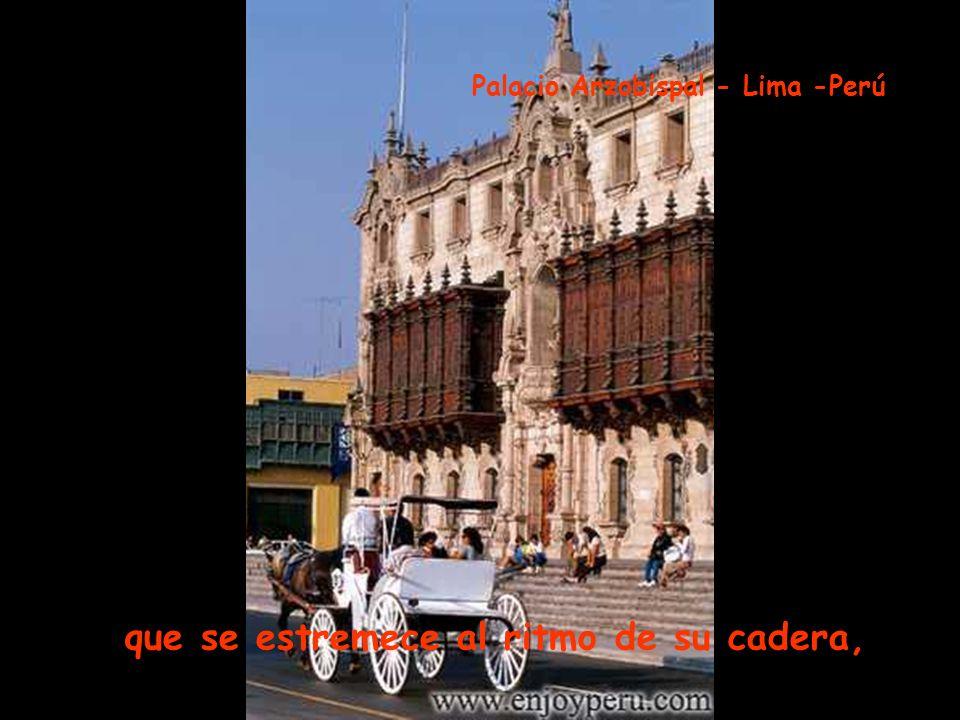 del puente a la alameda, menudo pie la lleva por la vereda Puente de los Suspiros- Lima -Perú
