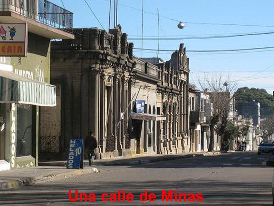 Una calle de Minas