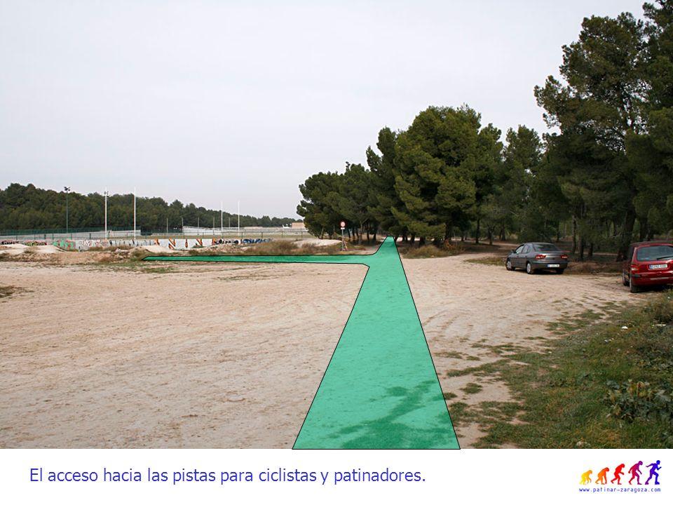 El acceso hacia las pistas para ciclistas y patinadores.