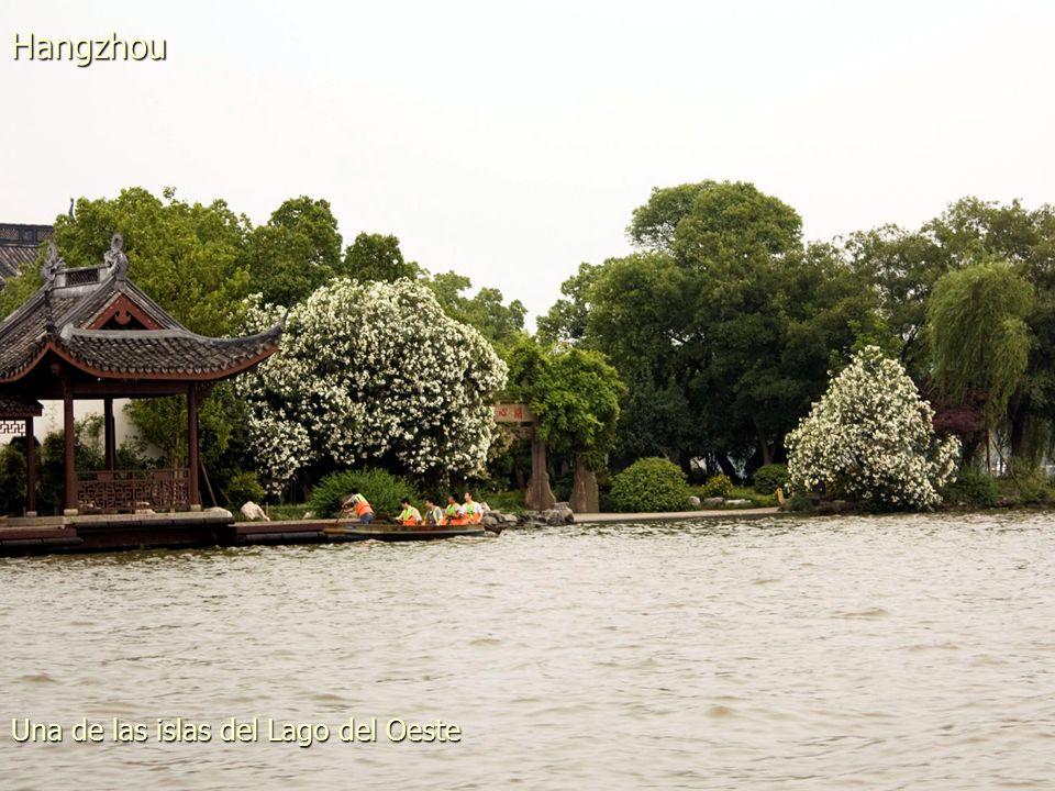 Barcas en el Lago del Oeste Hangzhou