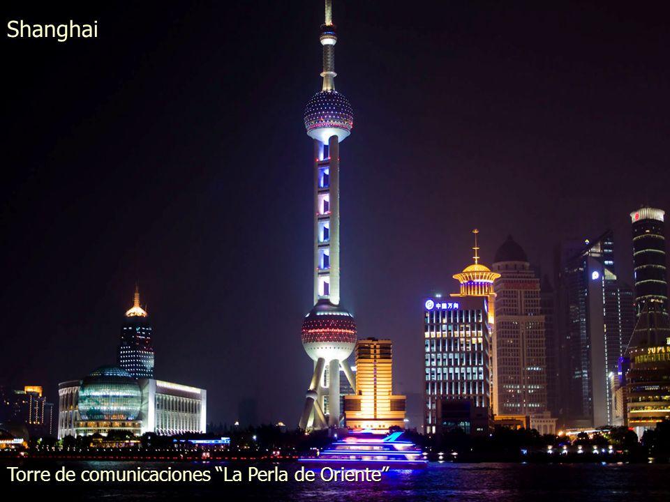 Shanghai Vista de la zona de Pudong desde el Bund o Malecón