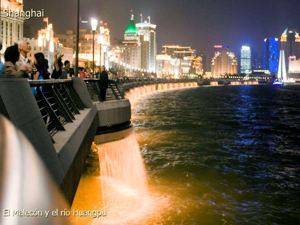El Malecón y el río Huangpu Shanghai