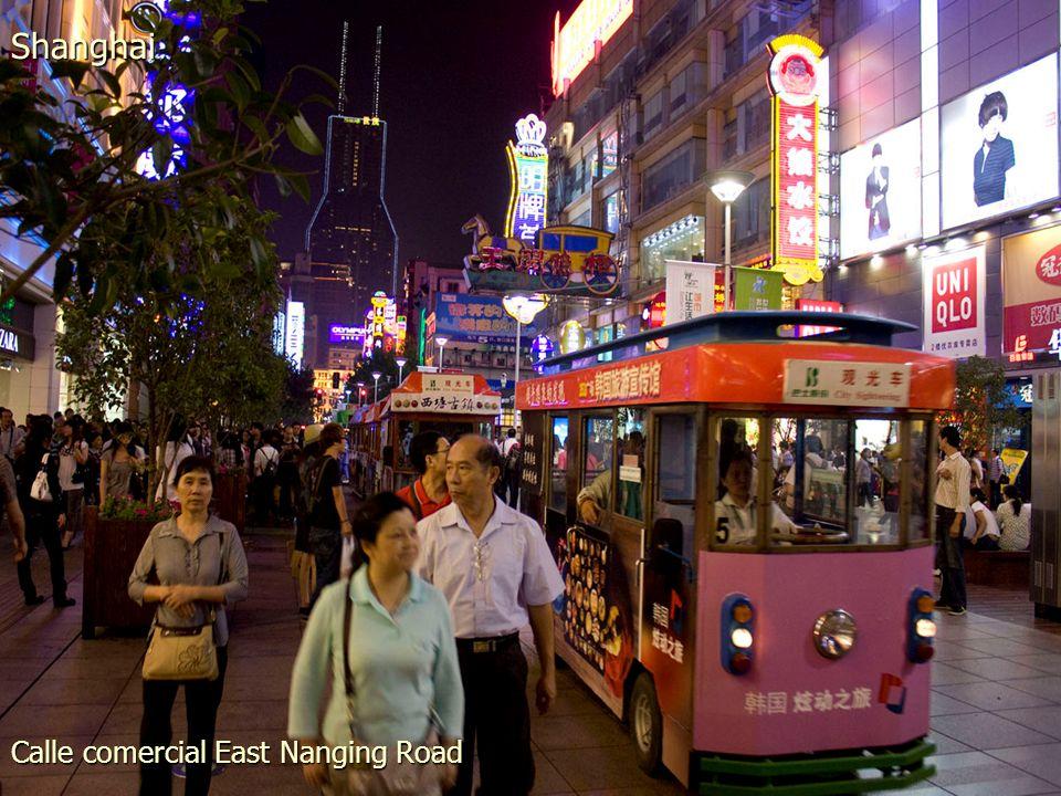 Calle comercial East Nanging Road Shanghai