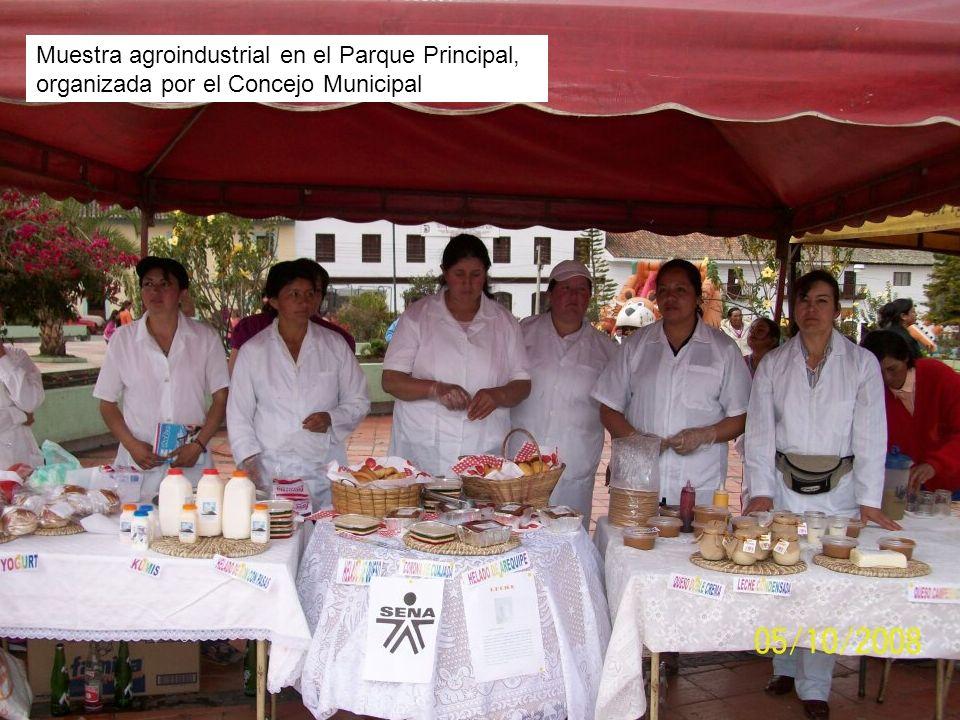 Muestra agroindustrial en el Parque Principal Muestra agroindustrial en el Parque Principal, organizada por el Concejo Municipal