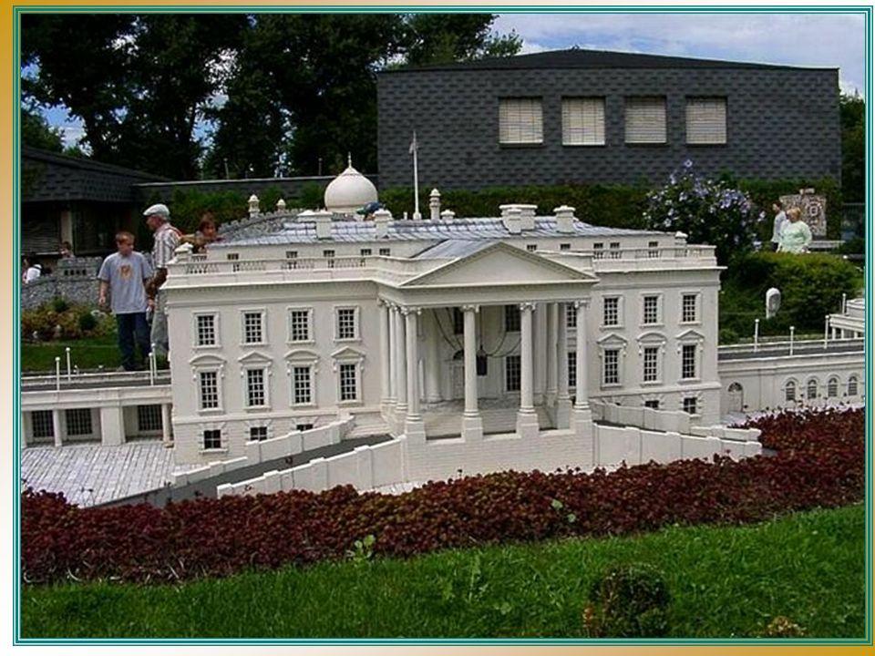 Para construir los pre-modelos, 55 oficinas de 9 estados miembros colaboraron, incluido el estudio de una gran variedad de materiales, que fueron utilizados para crear los moldes de poliester y después pintarlos.
