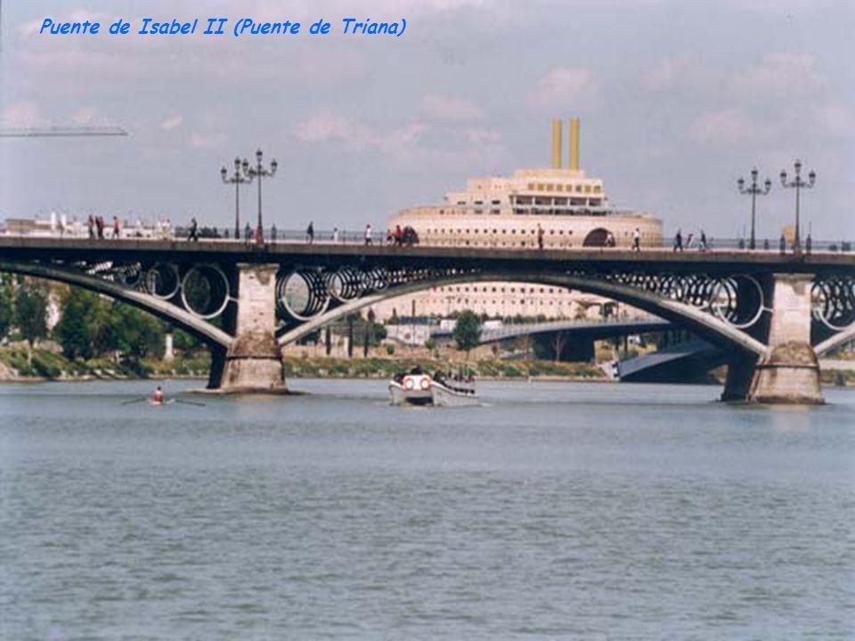 Vista nocturna del Puente Cristo de la Expiración