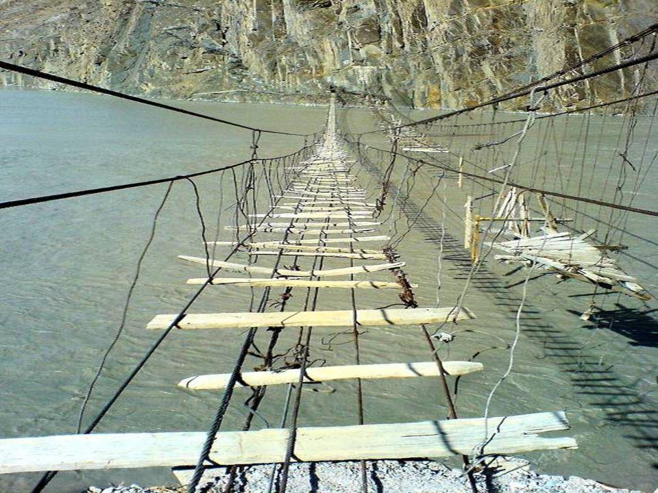 Puente colgante de Ghasa en Nepal