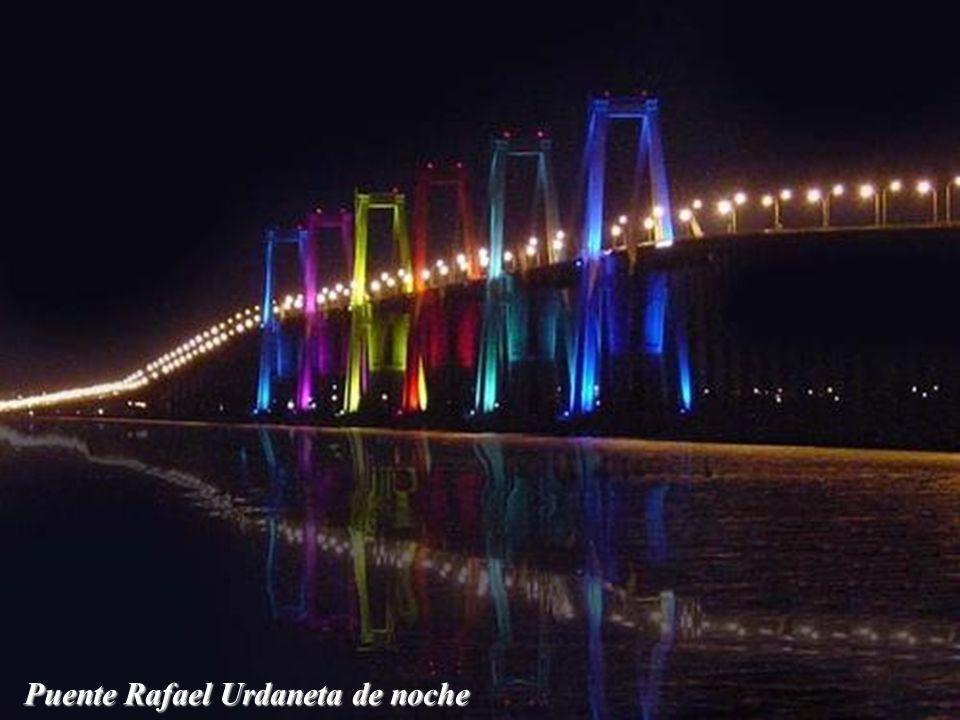 Puente Rafael Urdaneta Sobre el Lago de Maracaibo