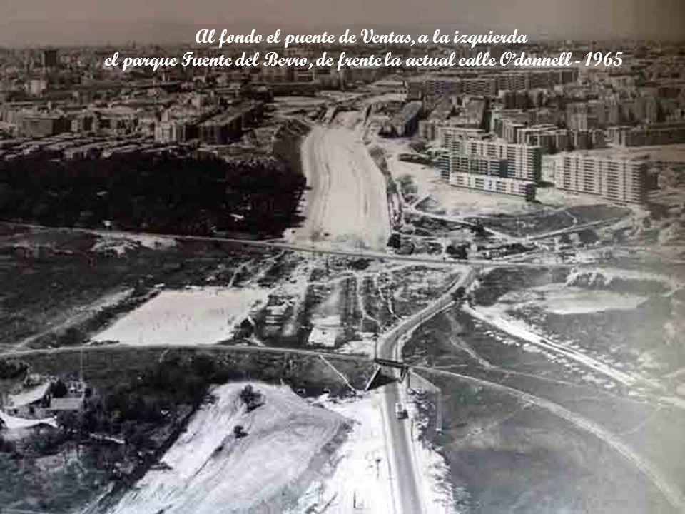 Vista de la calle de Alcalá, a la izquierda la plaza de toros de Las Ventas, de frente el puente de Ventas - 1965