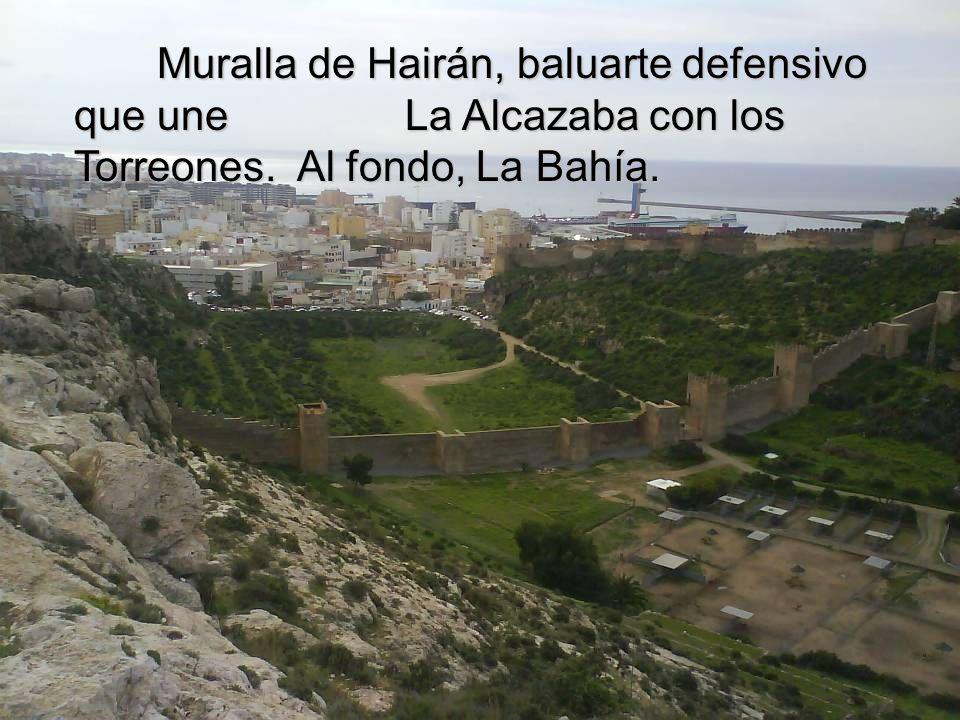 El pintoresco Barrio de La Chanca La Hoya: Centro de Aclimatación y Reserva de la fauna sahariana. Castillo de San Telmo