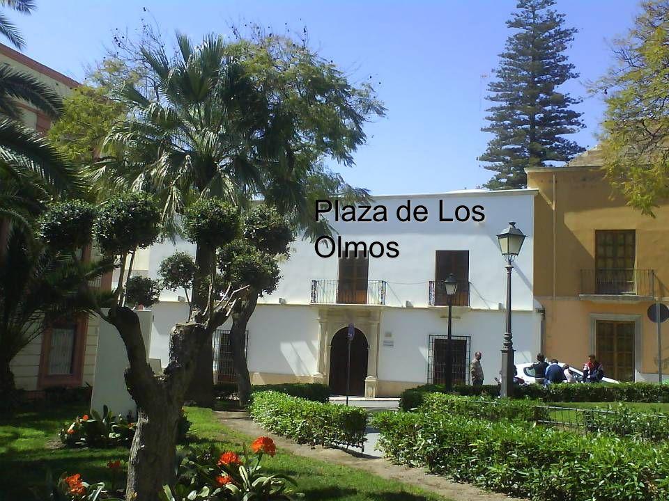 Puerta Principal Monumento al torero almeriense Julio Gómez Cañete Relampaguito.