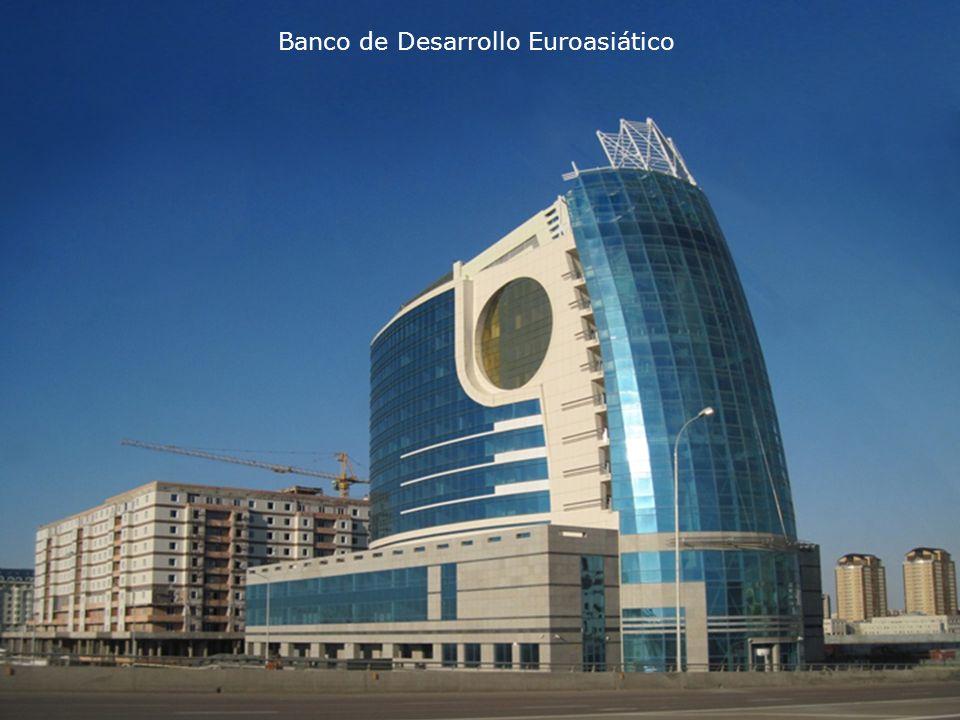 Construido en el año 2000, el Centro cuenta con una biblioteca de 570.000 libros de la celebración, una sala de conciertos para 400 personas, el Museo