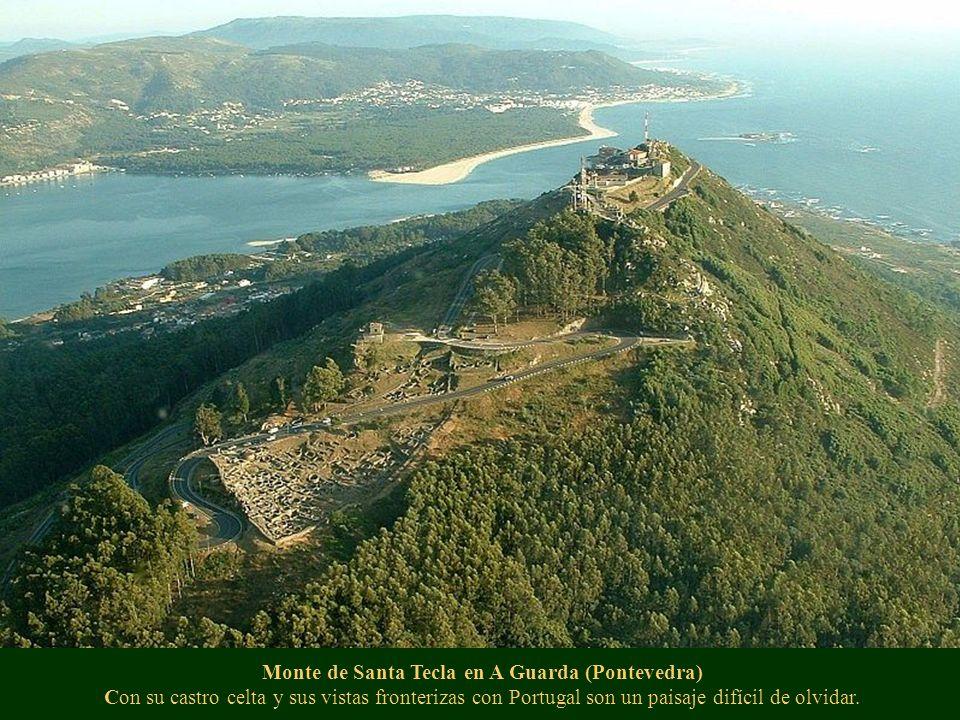 Sobrado dos Monxes, (A Coruña) Se encuentra una de las joyas del barroco gallego, obra que conviene no perderse.