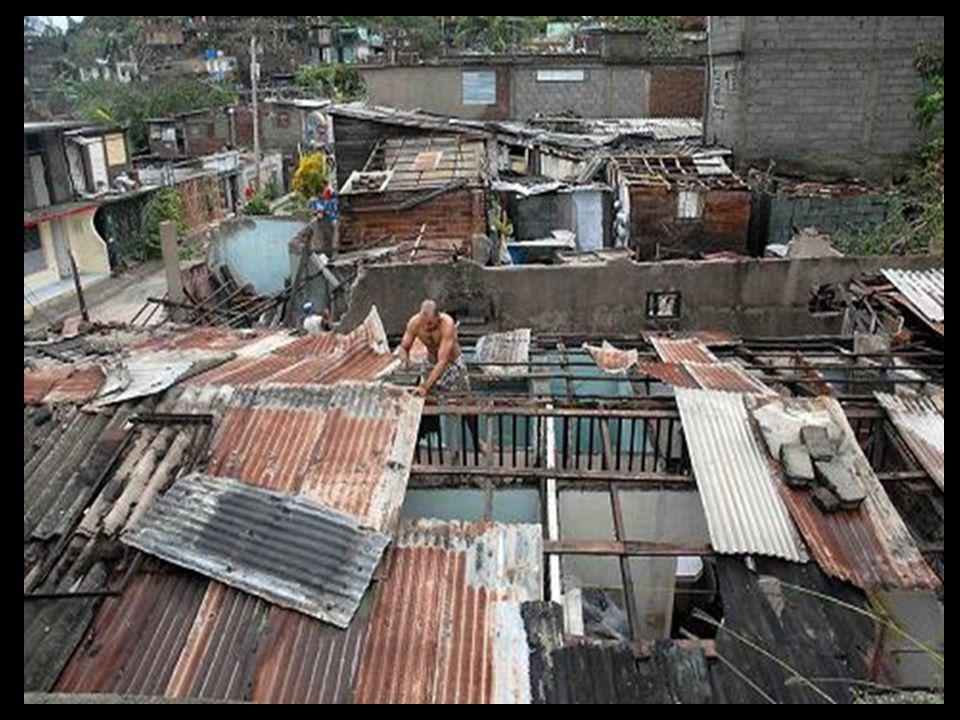 Santiago de Cuba, Santiago de Cuba, 25 de Octubre del 2012 6.30 am 6.30 am Plaza de Marte Plaza de Marte