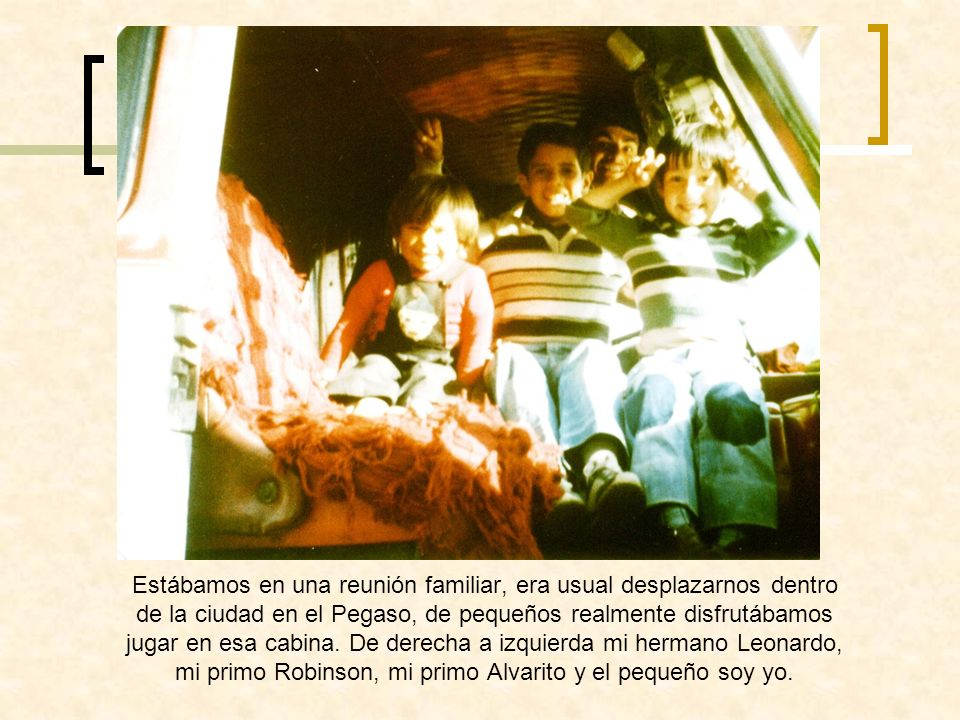 El de la derecha es mi tío Álvaro (QEPD), él le vendió su Pegaso a mi padre y compro un cabezón azul, mas reciente, mi primo Alvarito quien ya te escribió me dijo que te había contado de los modelos que habían tenido, ya que ellos tuvieron tres Pegasos.