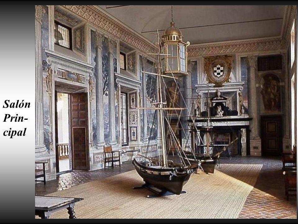 Frescos en la galería de la planta primera