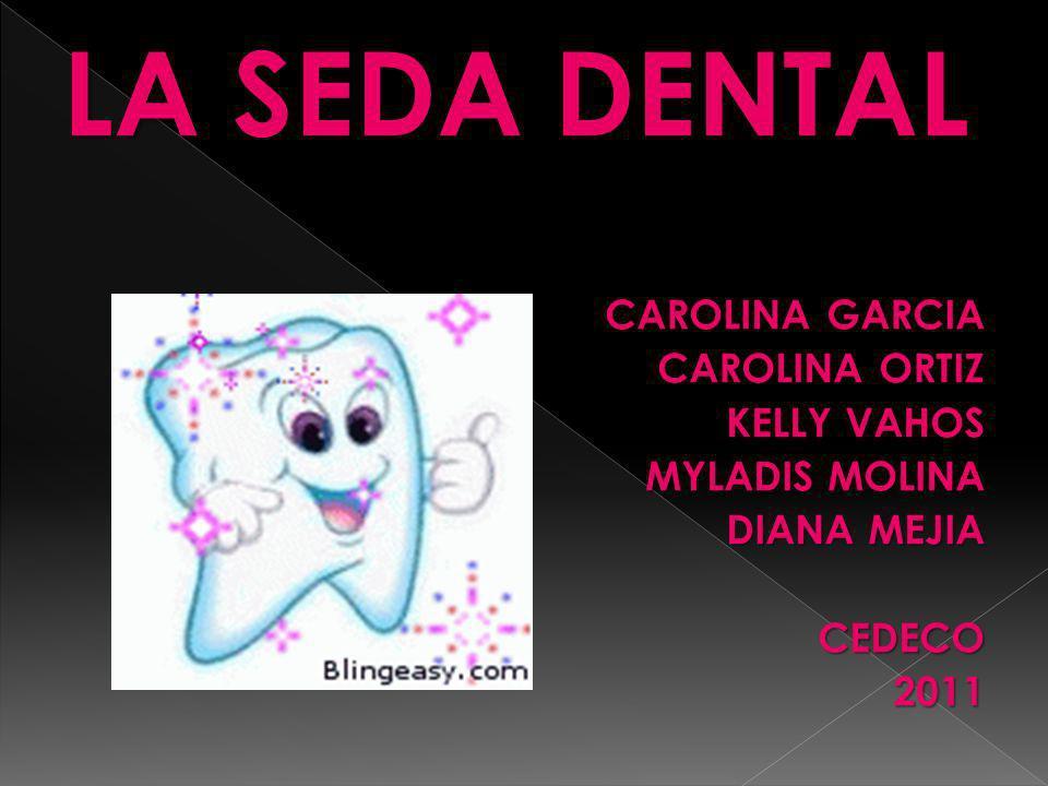 Seda Dental sin cera está especialmente diseñada para eliminar la placa dental y los residuos de los alimentos de entre los dientes, particularmente cerca del borde de las encías, donde la mayoría de las caries tienen su origen.