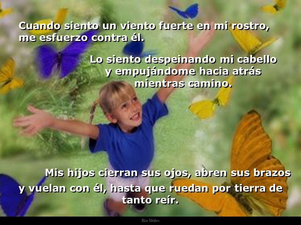 Ria Slides Cuando escucho una canción, me gusta. Pero no sé cantar y no tengo ritmo; entonces me siento y la escucho. Mis hijos sienten el son y baila