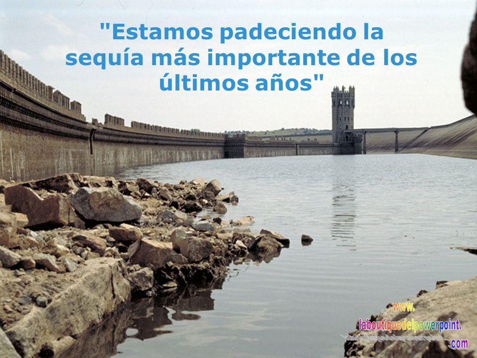 84% 2004 51% 2005 Agua embalsada Mes de Julio