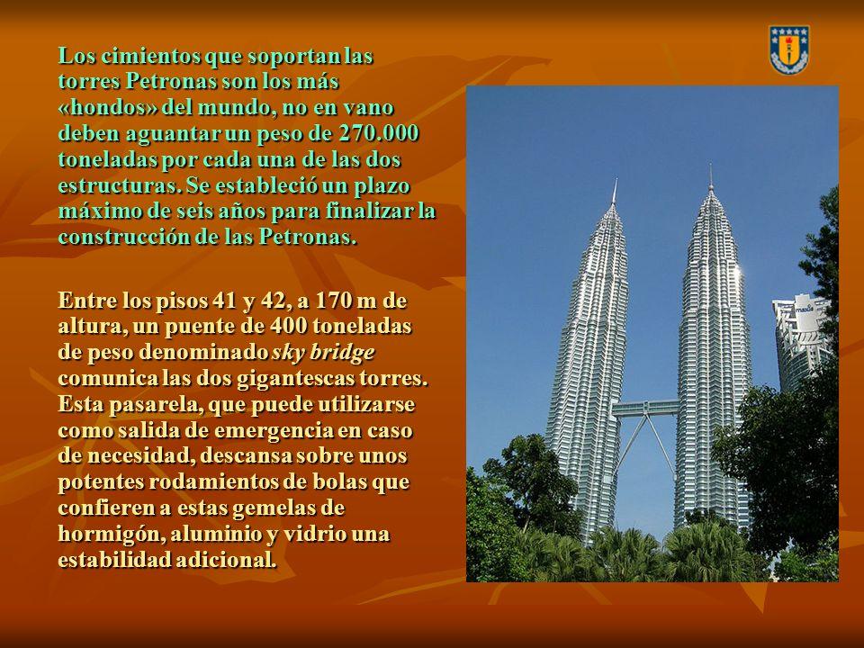 Los cimientos que soportan las torres Petronas son los más «hondos» del mundo, no en vano deben aguantar un peso de 270.000 toneladas por cada una de