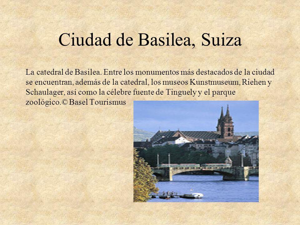 Ciudad de Basilea, Suiza La catedral de Basilea. Entre los monumentos más destacados de la ciudad se encuentran, además de la catedral, los museos Kun