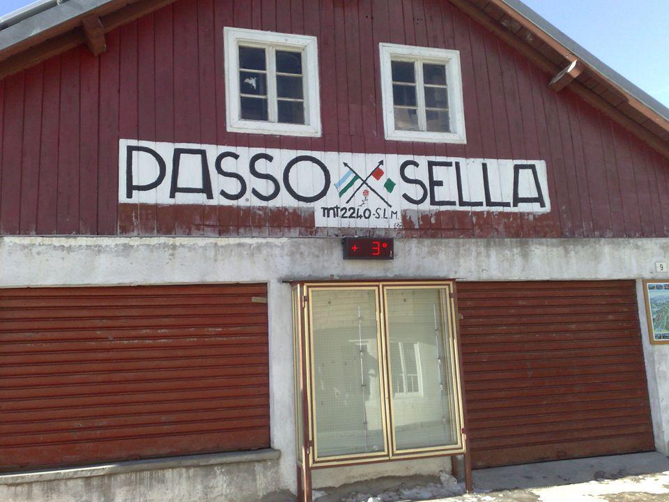3ª ETAPA – PASO DI SELLA (2.244 m.)