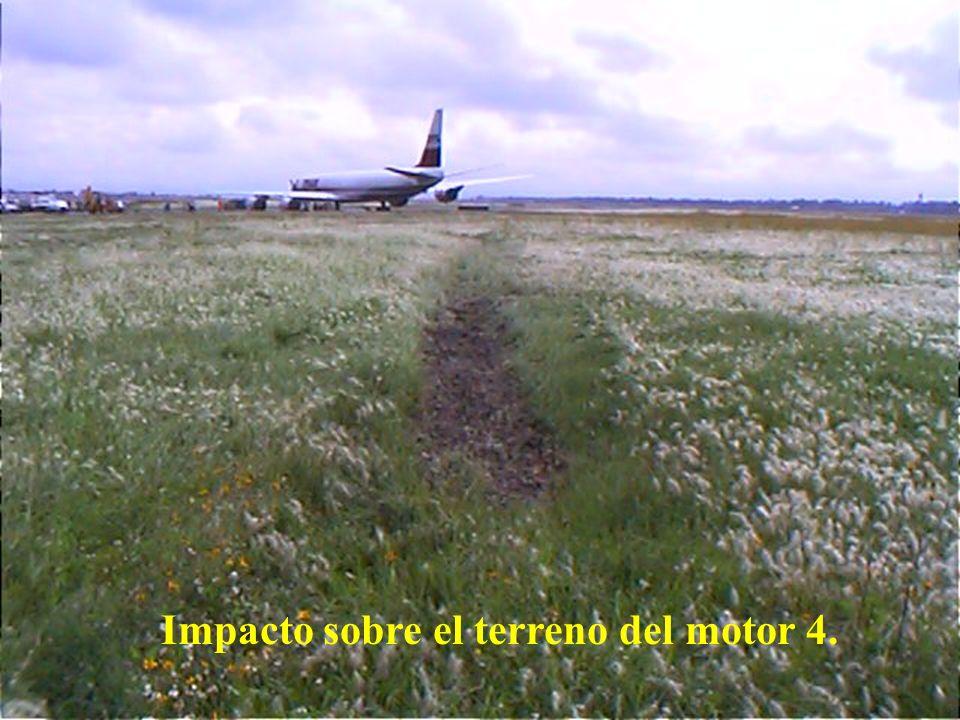 Direcciön General de Aeronáutica Civil Vista desde la aeronave de la trayectoria, presentando mayor hundimiento de la pierna derecha del tren principal.