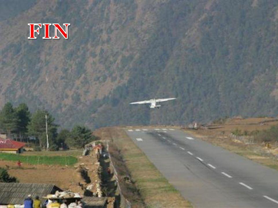 El aeropuerto de Paro, Bután, solo es utilizable por ocho pilotos, en todo el mundo, con certificado para aterrizar en él, que entrenan con simuladore