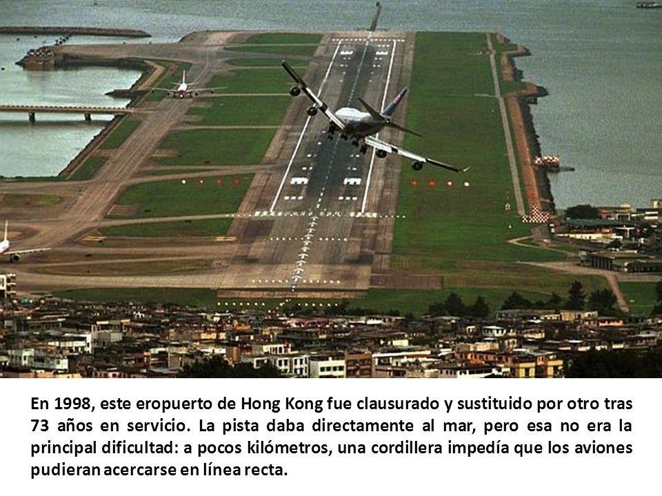 El aeropuerto de Funchal, en Madeira, se apoya en 180 pilares de hormigón que lo elevan 70 metros sobre el mar. Aterrizar en él es muy complicado a ca