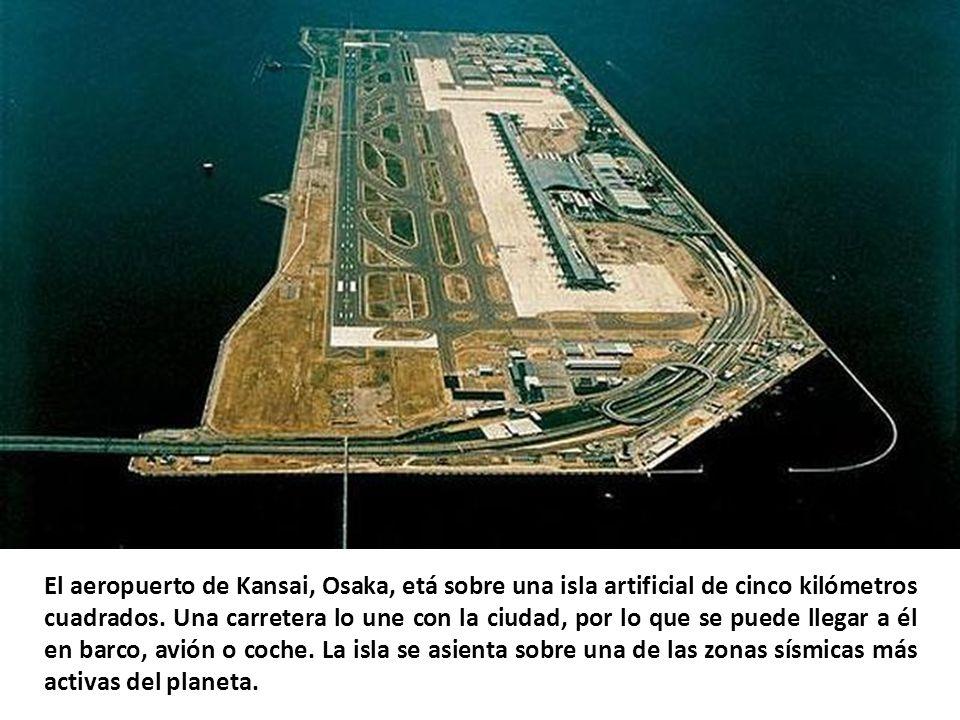 El Aeropuerto Internacional Toncontín es el único de Tegucigalpa, la capital de Honduras, en funcionamiento desde 1920. Habilitado para vuelos naciona