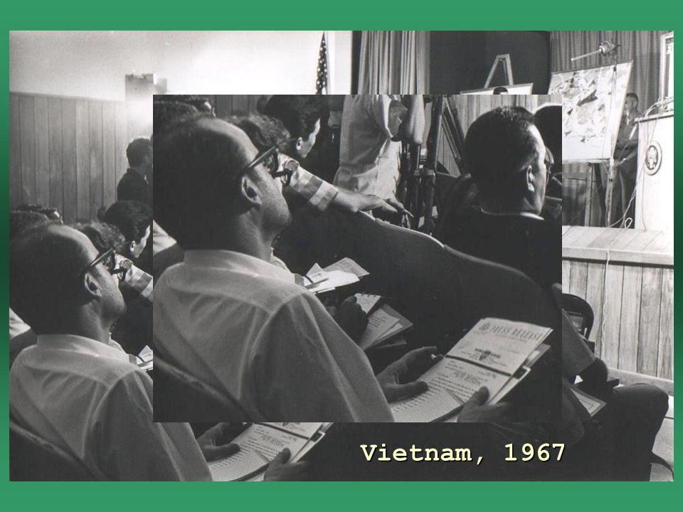 Vietnam, a bordo del buque de guerra Ticonderoga de la armada norteamericana