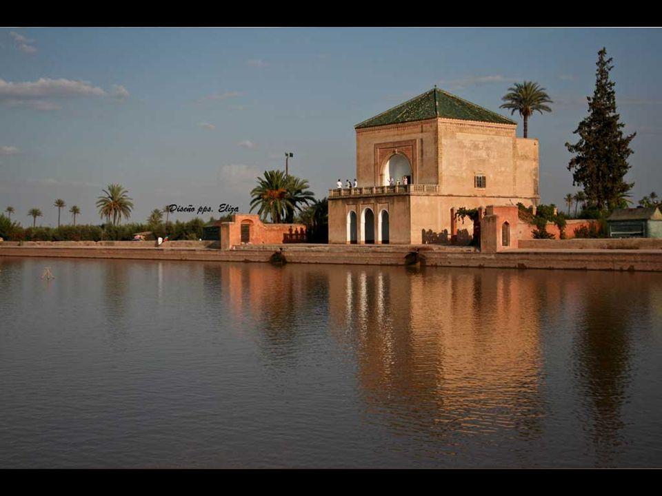 La Medersa Ben Youssef es uno de los monumentos más prestigiosos de Marrakech y una verdadera joya de la arquitectura árabo- andalusí.
