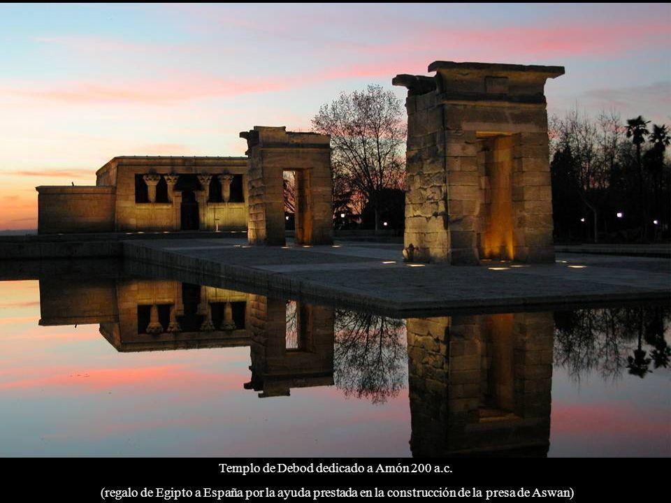 Parque del Retiro: monumento a Alfonso XII (inaugurado en 1922)