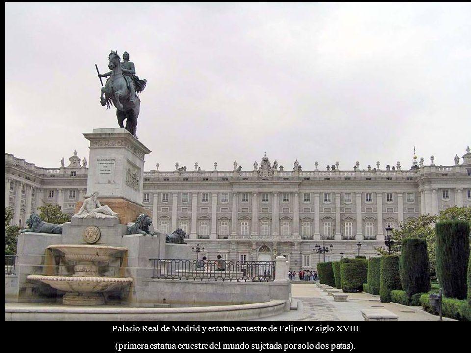 Palacio Real de Madrid también llamado Palacio de Oriente.