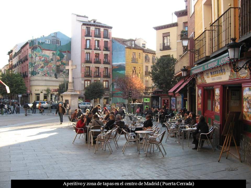 Vistas de los edificios de la zona centro de Madrid desde el Viaducto de Segovia.