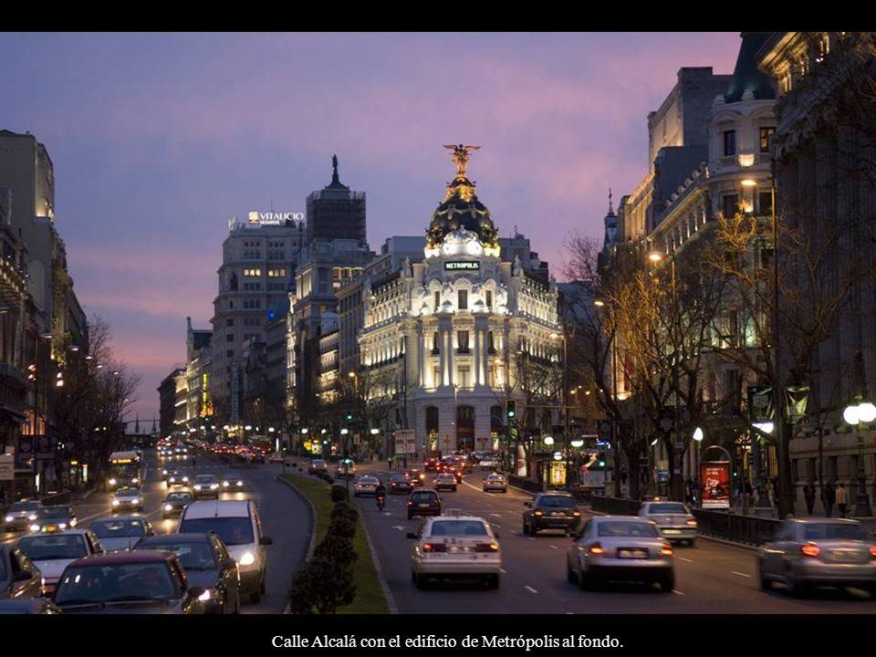 Edificio Metrópolis: Esquina calle Alcalá con Gran Vía.