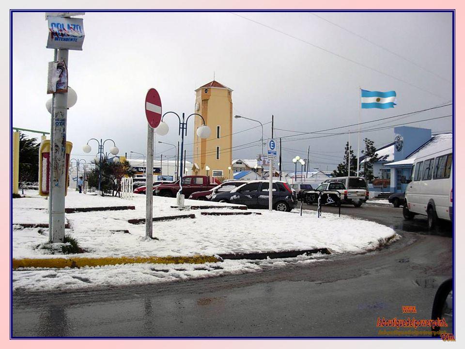 EDIFICIO DE LA GOBERNACIÓN EN USHUAIA