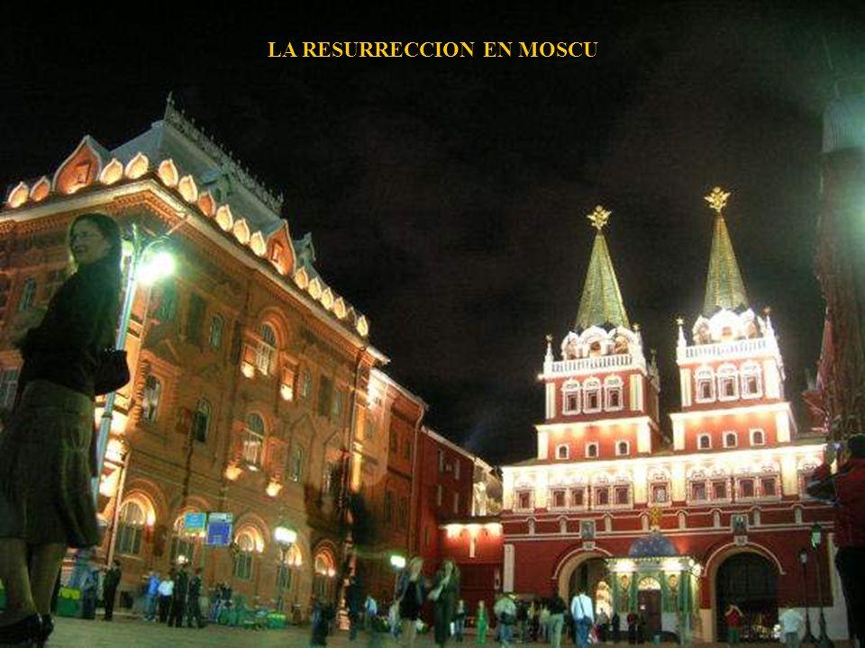 KOMSOMOLSKAYA ESTACION DEL METRO DE MOSCU