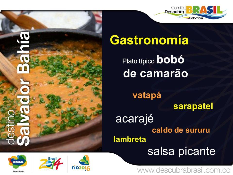 Gastronomía Plato típico bobó de camarão vatapá sarapatel acarajé caldo de sururu lambreta salsa picante