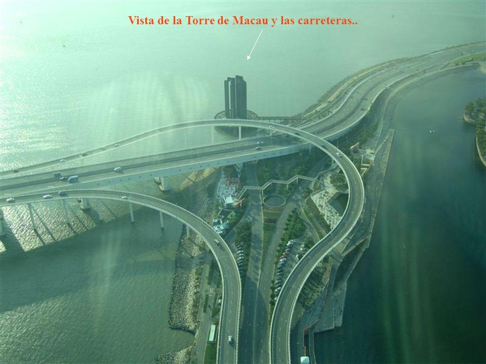 Vista de la Torre de Macau y las carreteras..