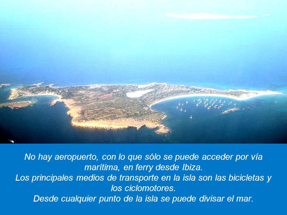 FORMENTERA es una pequeña isla del archipiélago de las Baleares, en el Mediterráneo, en España. Su clima suave, con una media anual de 18 grados y 2.8