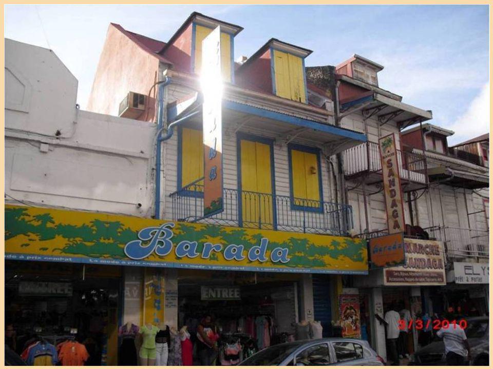 Pointe a Pitre es una de las ciudades más importantes de la isla de Guadalupe, y su capital económica de hecho. Se encuentra situado en el punto de un